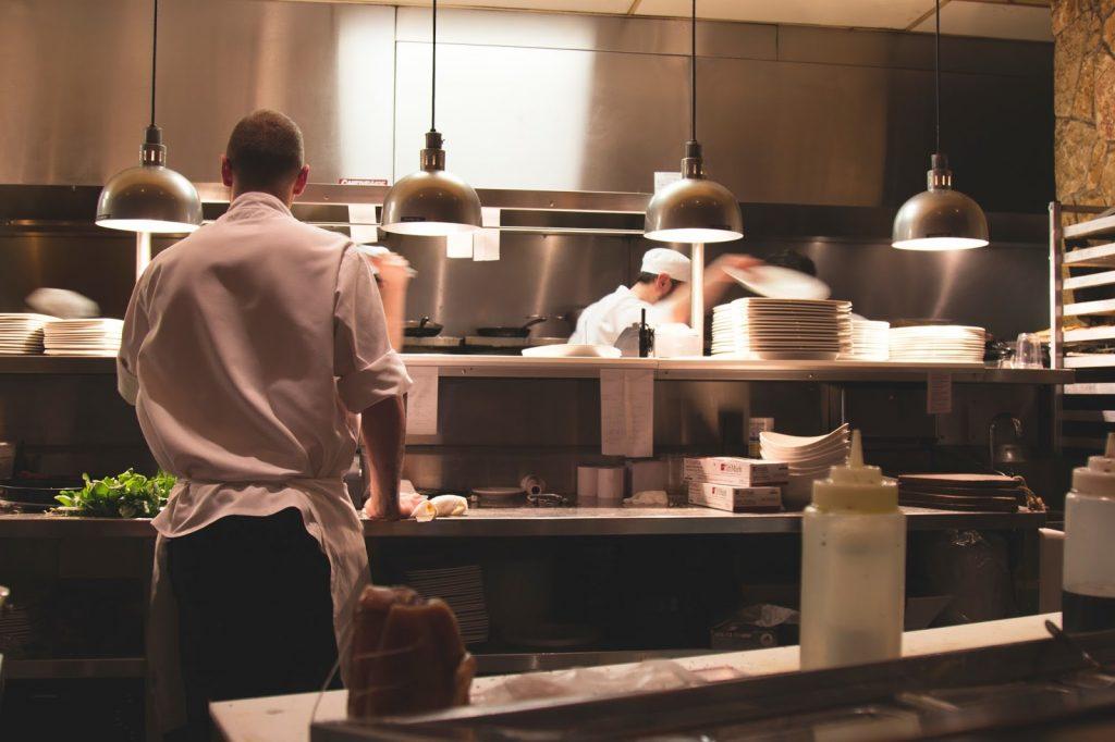 soñar con un restaurantes