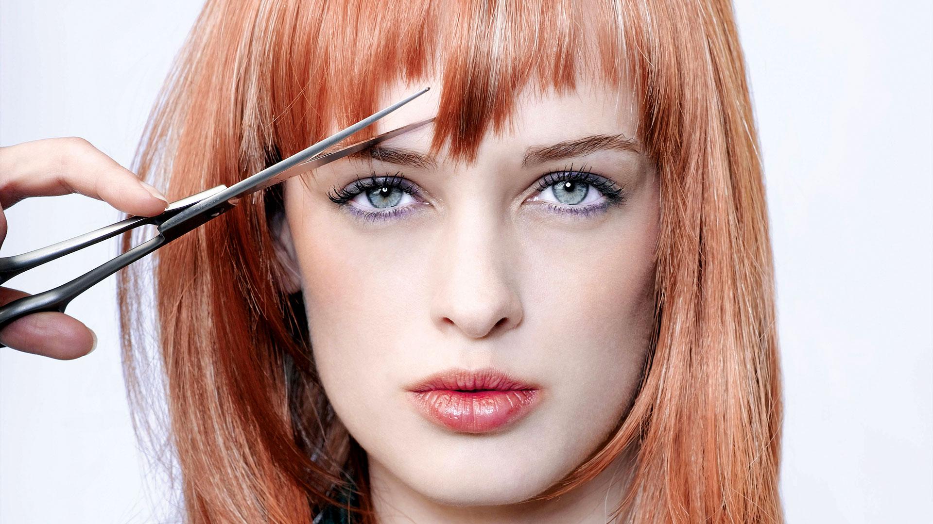 soñar con cortar el pelo a una mujer