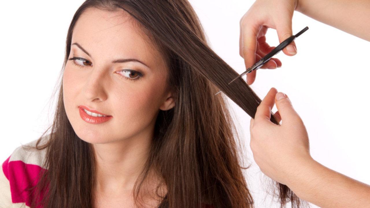 soñar con cortar el cabello de una mujer