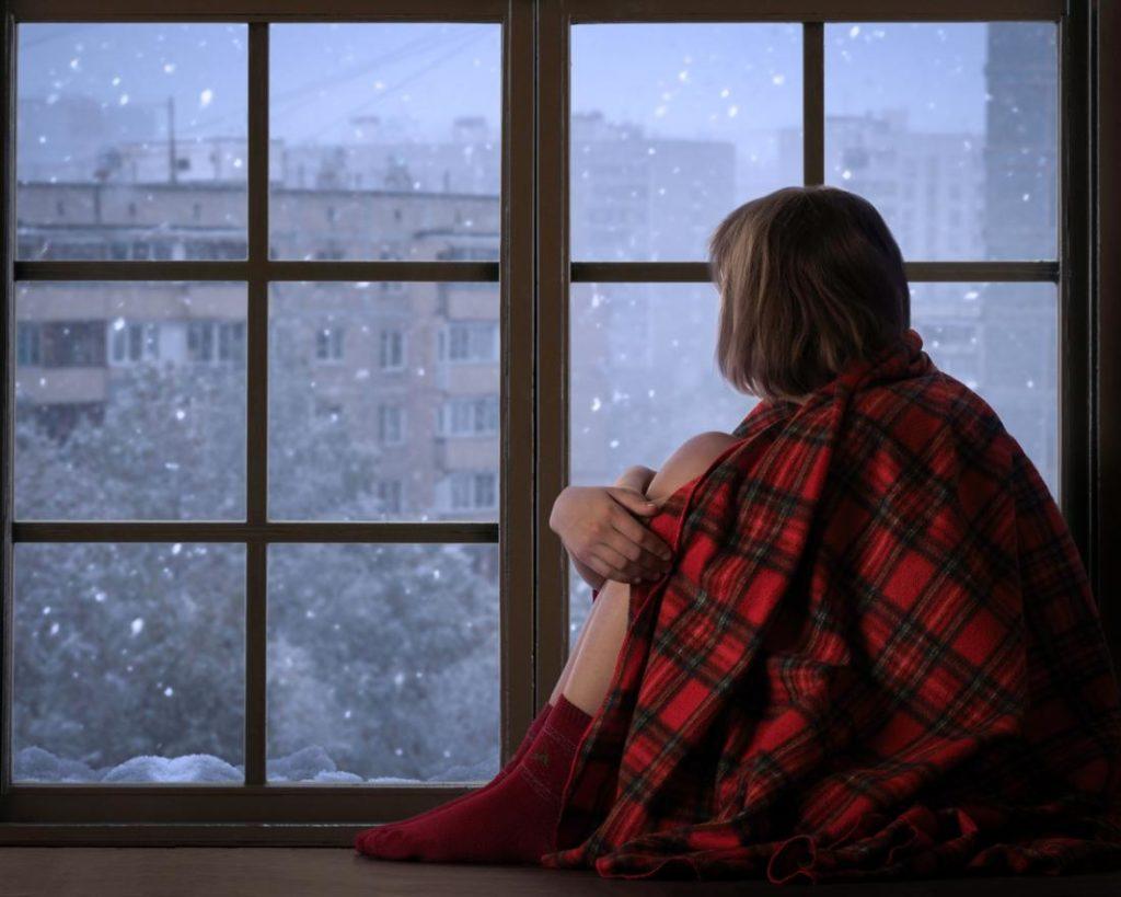 soñar con cerrar ventanas casa