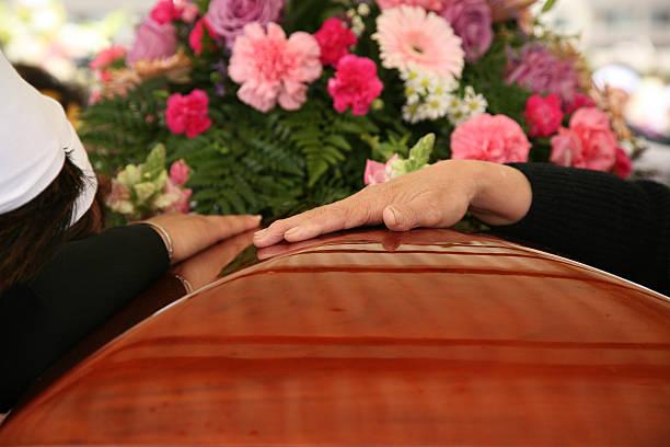 soñar con ataud entierro