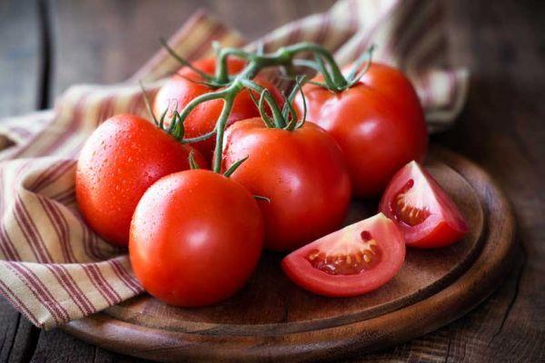 soñar con tomates maduros