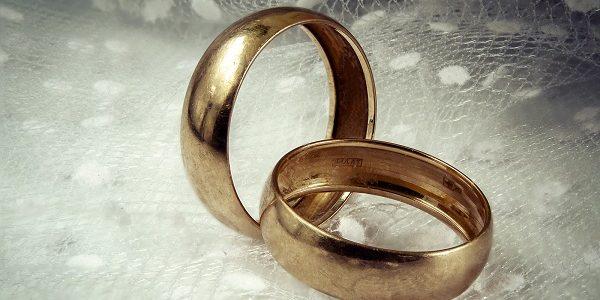 soñar con anillo de compromiso