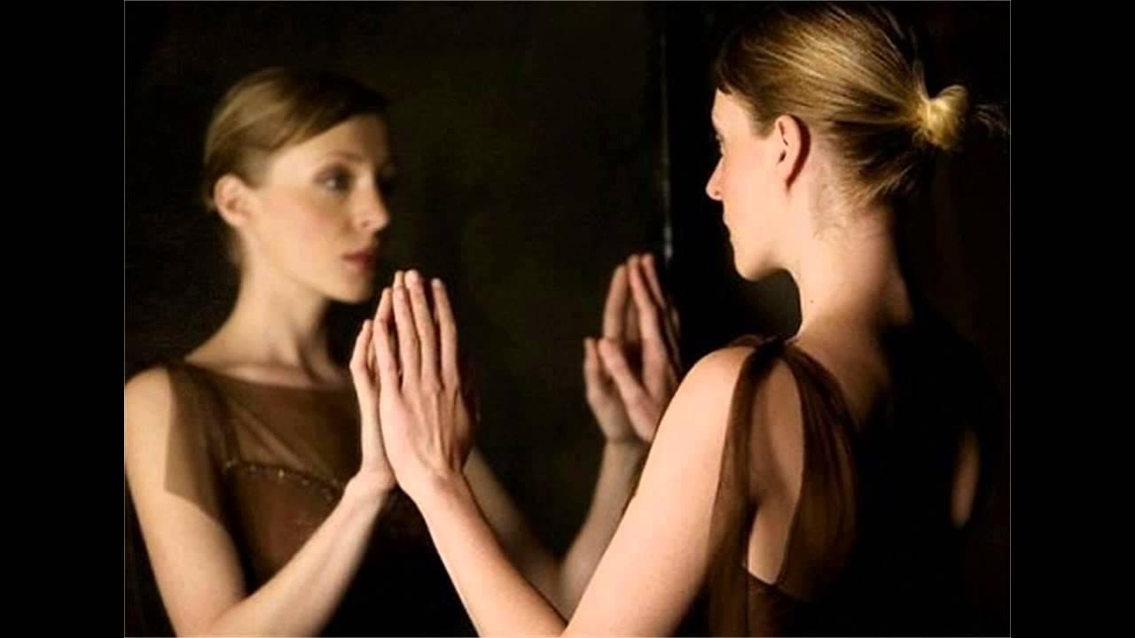 soñar con espejo misabueso