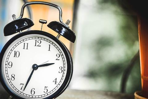 soñar con reloj de pared