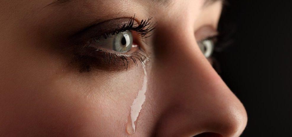 soñar con llorar de tristeza
