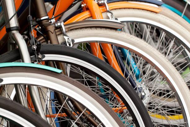 soñar con bicicletas colgadas