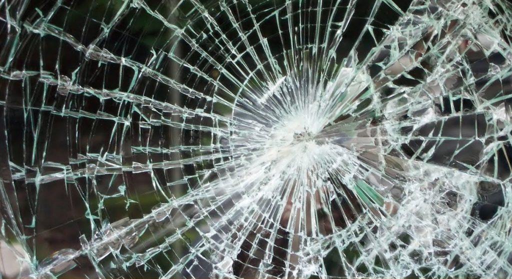 soñar con vidrios rotos de una ventana