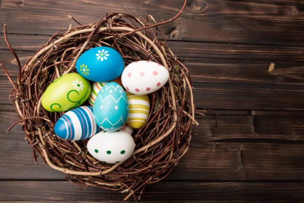 soñar con huevos colorados