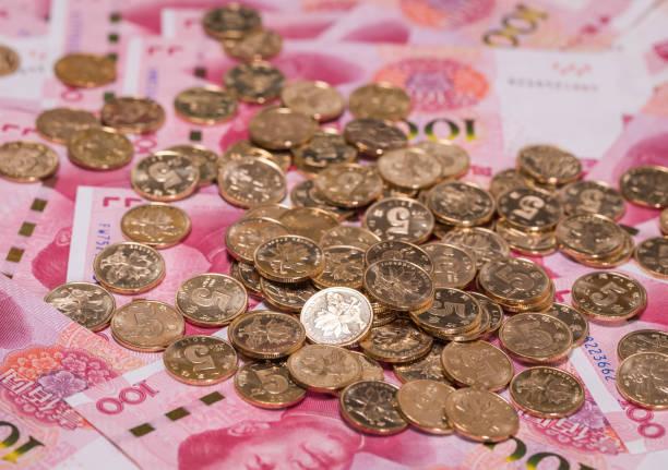 soñar con monedas antiguas