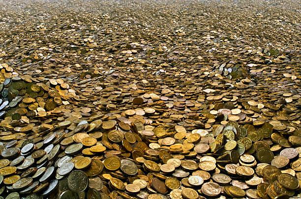 soñar con bastantes monedas