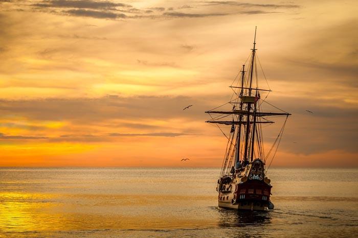 soñar con barco blanco
