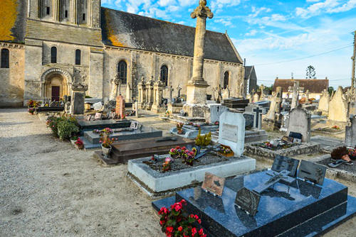 soñar con cementerio y tumbas