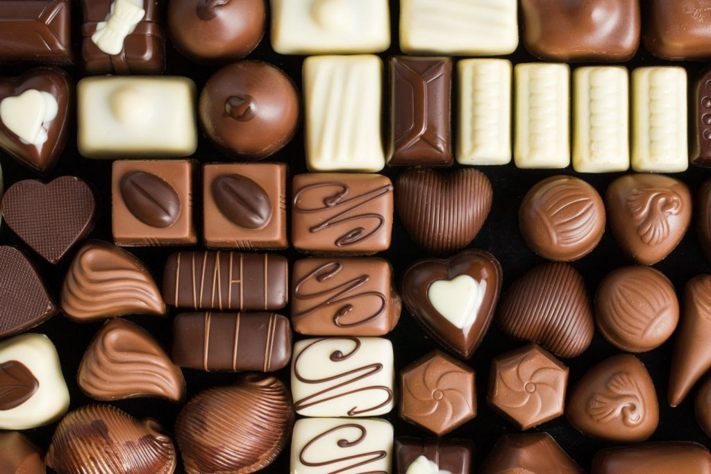 soñar con chocolate bombones