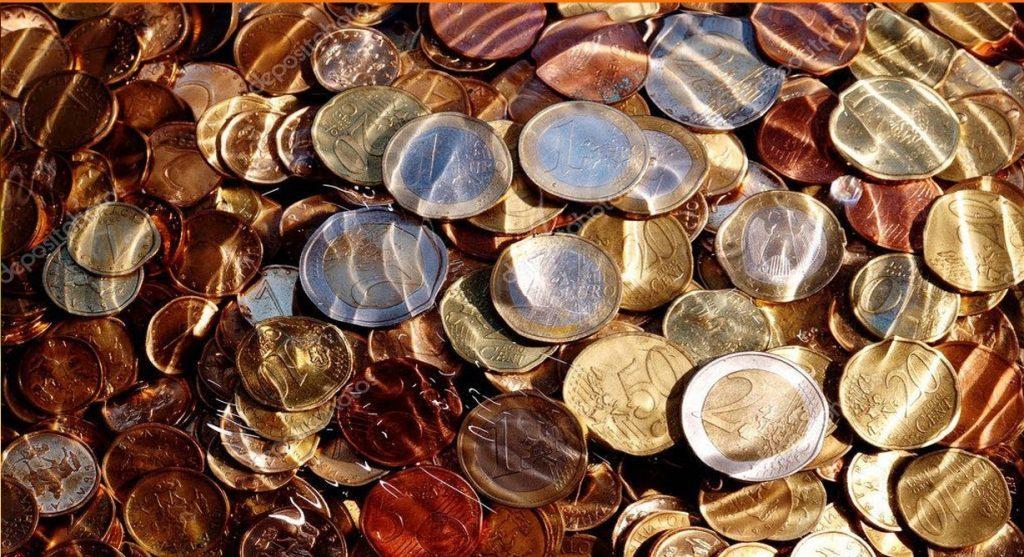 soñar con monedas dinero