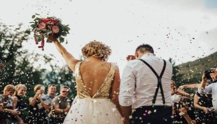 soñar con boda de amiga